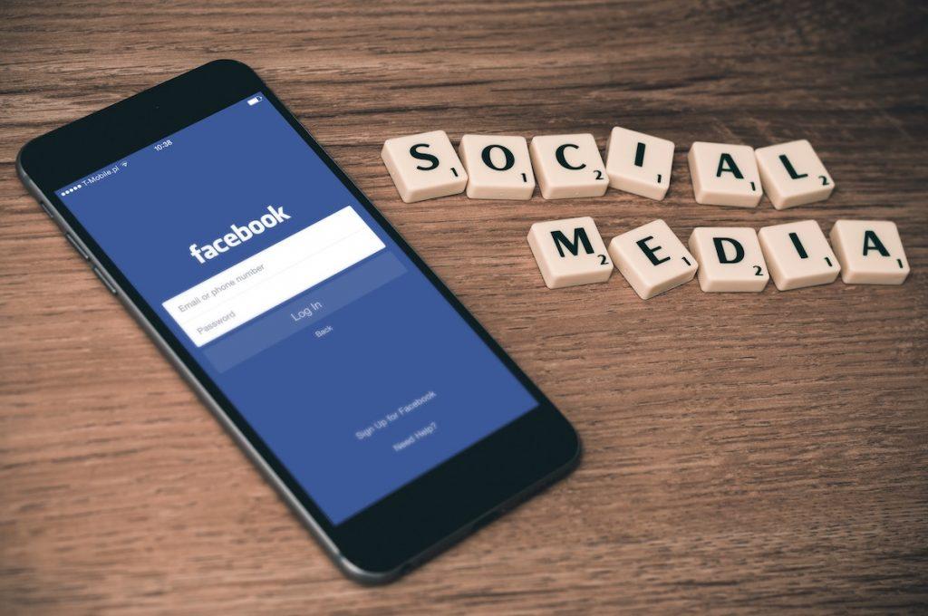 Modern Website SocialMedia